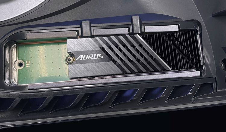 Gigabyte объявила о совместимости накопителей Aorus Gen4 7000s с консолью PlayStation 5