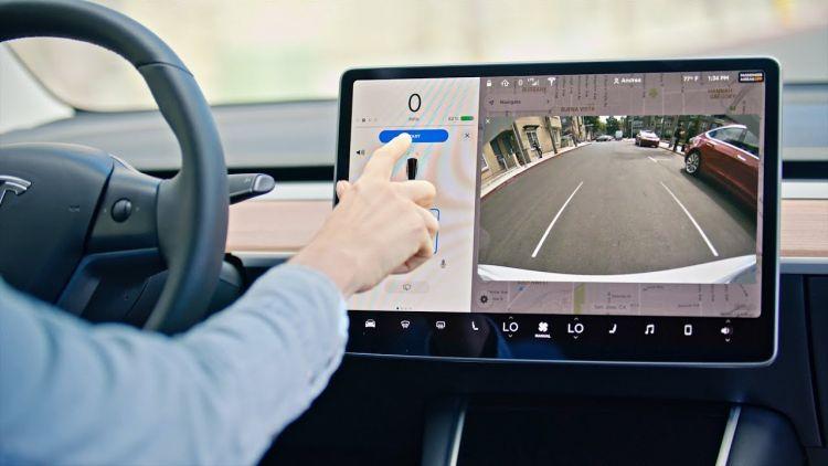 Электромобили Tesla Model S научились самостоятельно парковаться, используя только данные бортовых камер