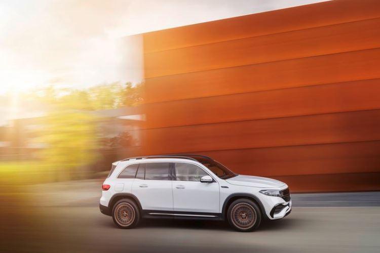 Mercedes-Benz представила электрический полноприводный кроссовер EQB1