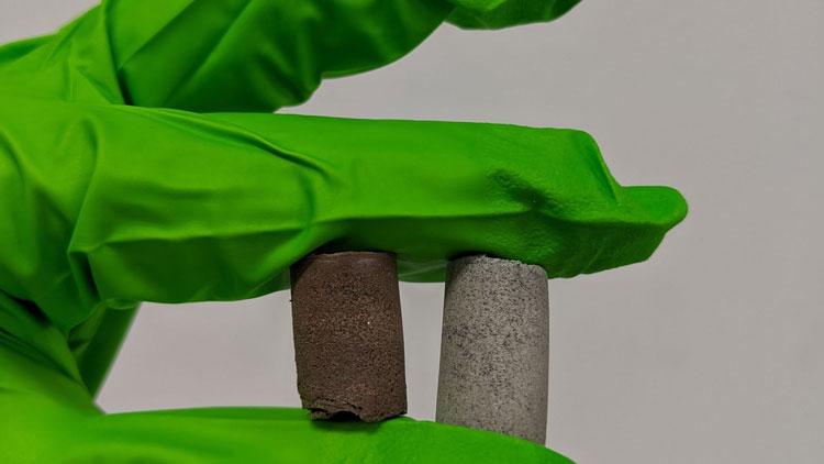 «Космический бетон» из имитаторов лунной и марсиснасой пыли и биологических жидкостей человека. Источник изображения: University of Manchester