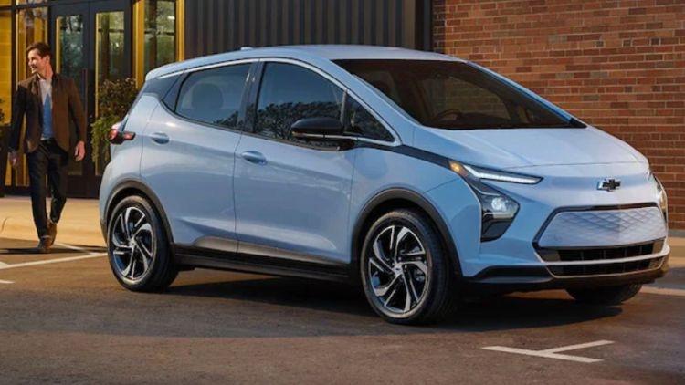 GM продлила остановку производства электромобилей Chevrolet Bolt до средины октября, чтобы решить проблемы с батареями