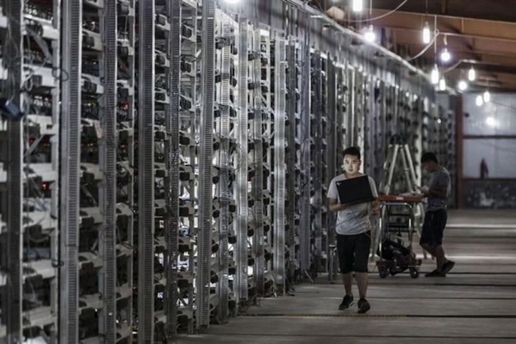 Китай усилил борьбу с подпольными майнерами