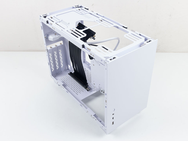 Lian Li выпустила корпус Q58 для компактного компьютера за €120