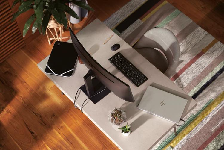 HP представила вогнутый монитор M34d на 34-дюймовой VA-панели с разрешением WQHD