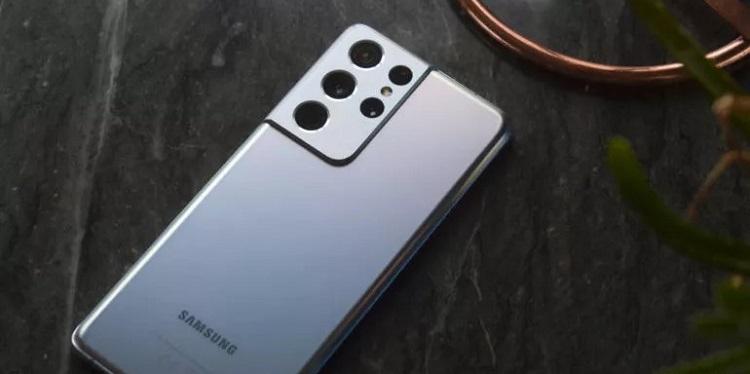 Производитель камер Olympus опроверг слухи о сотрудничестве с Samsung