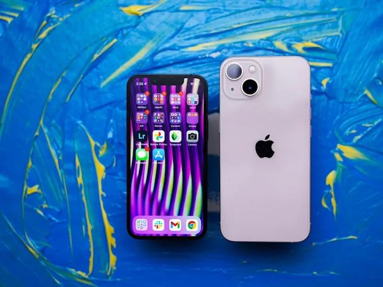 Обзоры iPhone 13 и 13 mini: ощутимые улучшения по части камер и батарей