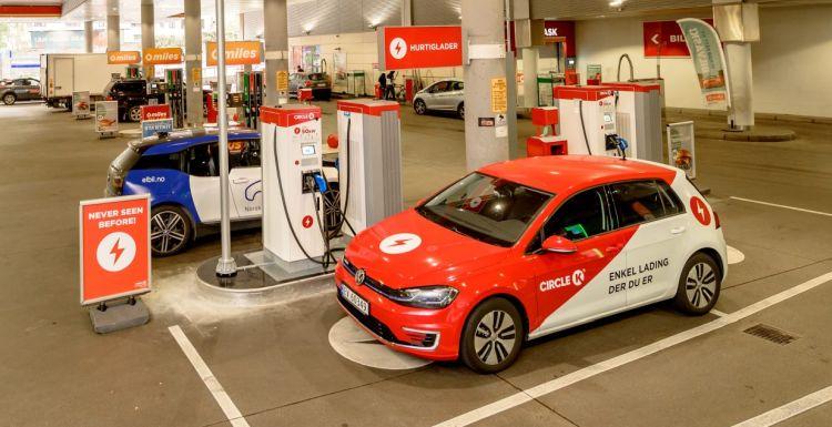 """Продажи машин с ДВС в Норвегии могут приблизиться к нулю уже в апреле 2022 года"""""""