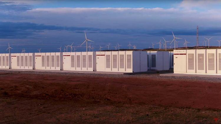 """На владельца австралийской энергоустановки Tesla Megapack подали в суд"""""""