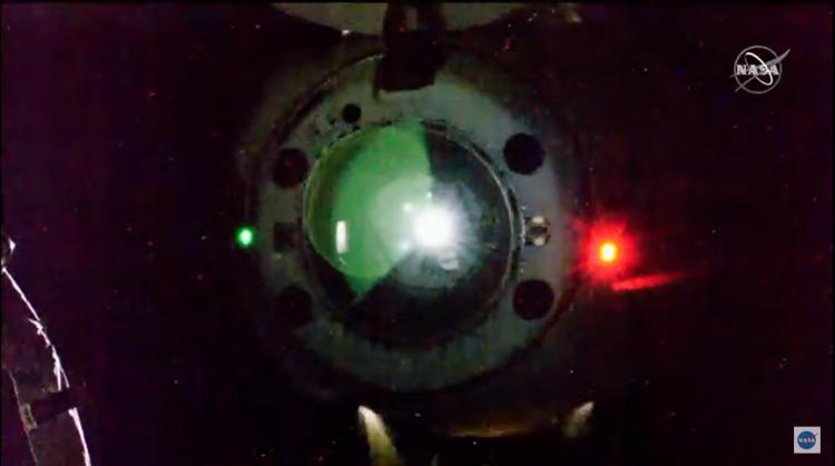 Грузовой корабль SpaceX Dragon вернулся на Землю с материалами множества экспериментов