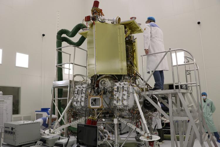"""Станция «Луна-25» отправится в космос в июле 2022 года"""""""