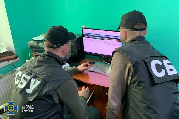 Украинские силовики задержали хакера, который создал и использовал сеть на 100 тысяч ботов