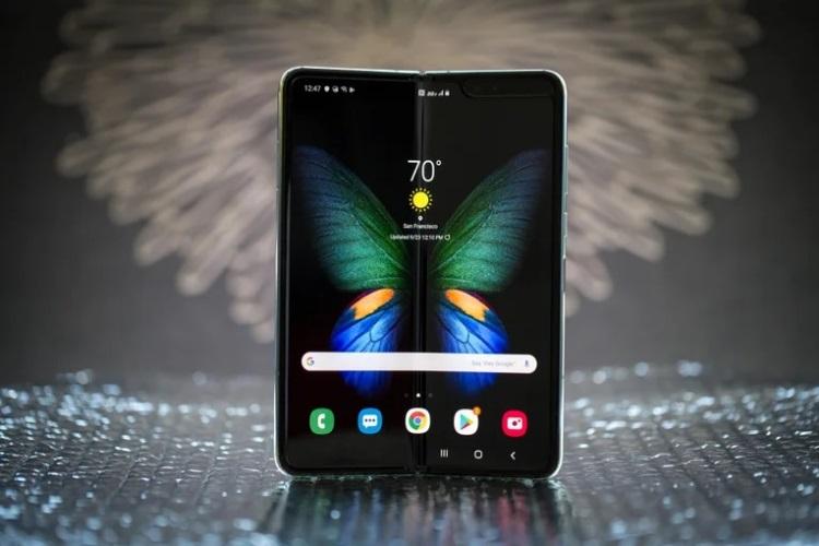 Samsung показала, как гибкие смартфоны Galaxy Z Fold 3 и Galaxy Z Flip 3 проверяются на прочность