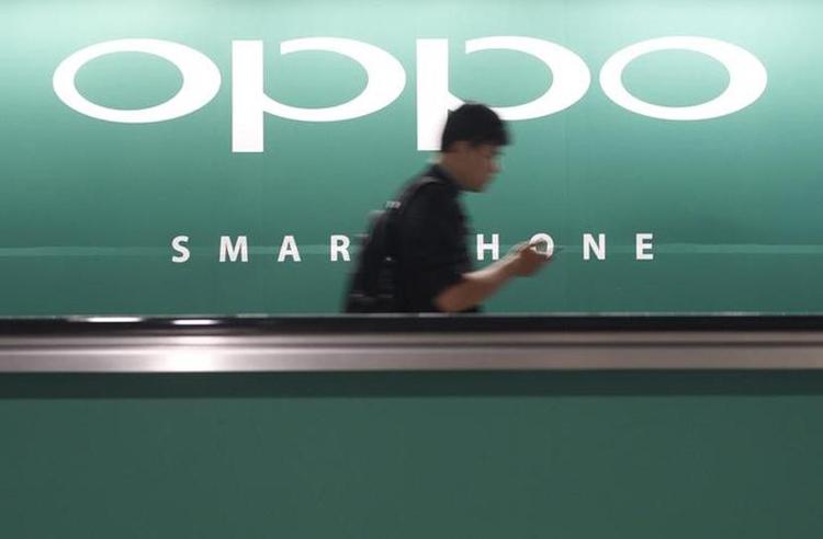 Первый складной смартфон Oppo получит конструкцию в стиле Samsung Galaxy Z Fold