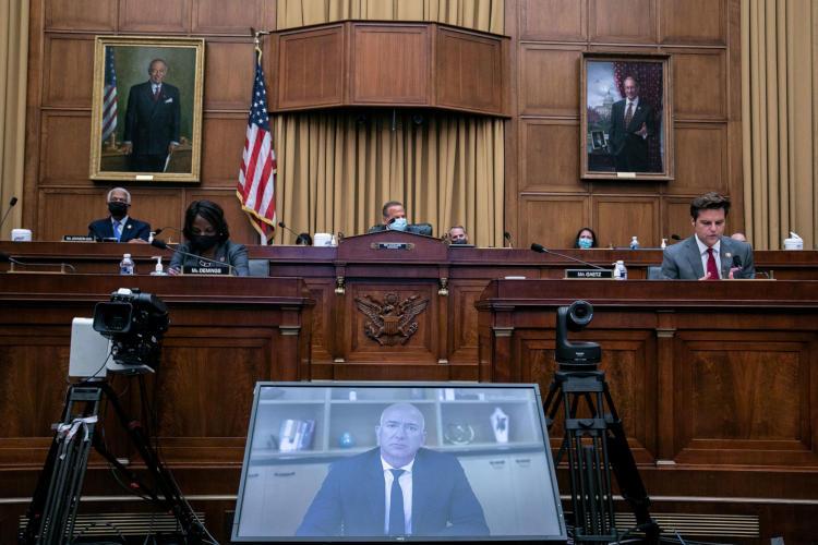 В июле 2020 года глава Amazon Джефф Безос по видеосвязи давал показания в Конгрессе США
