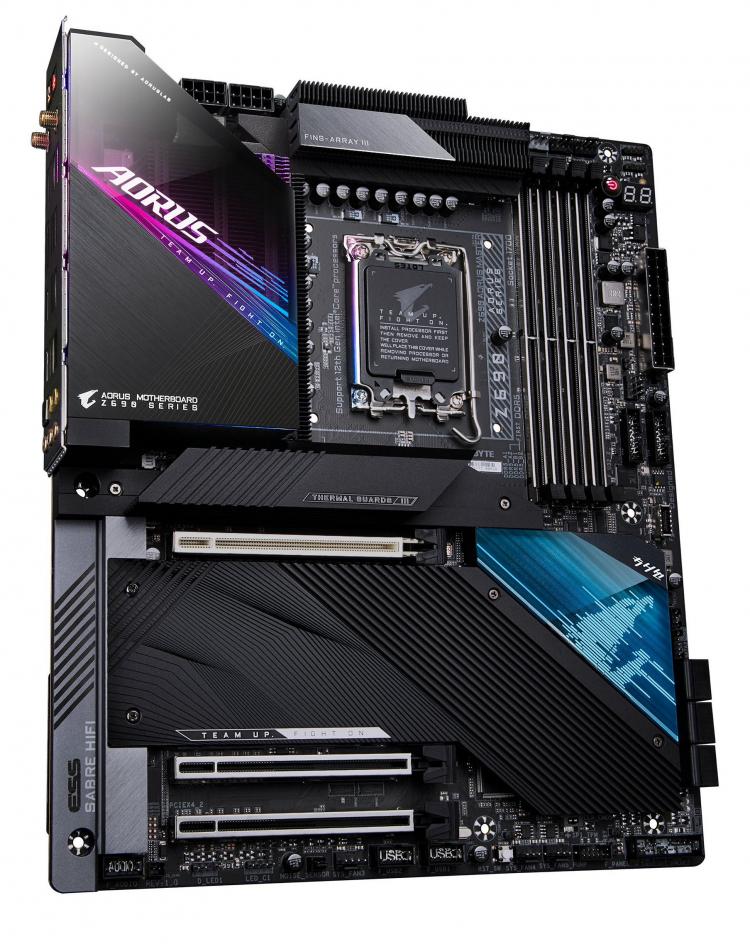 Флагманская материнская плата Gigabyte Z690 Aorus Master для Intel Alder Lake показалась на фото