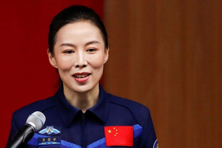 В сотсав экипажа «Шэньчжоу-13» вошла женщина-тайконавт