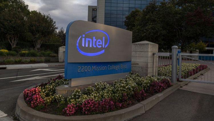 Планы Intel не впечатлили инвесторов, курс акций компании просел на 12 %